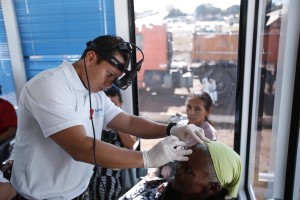 carretas-oftalmologicas-brasilia-distrito-federal-201404040004
